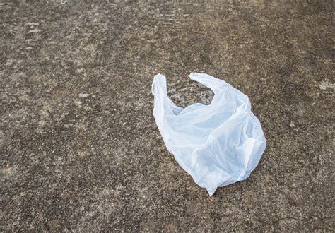 Plastic Bags Banned Starting August 1 in Chicago