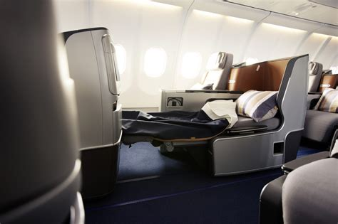 Lufthansa keeps middle seats, but makes changes in 747-400