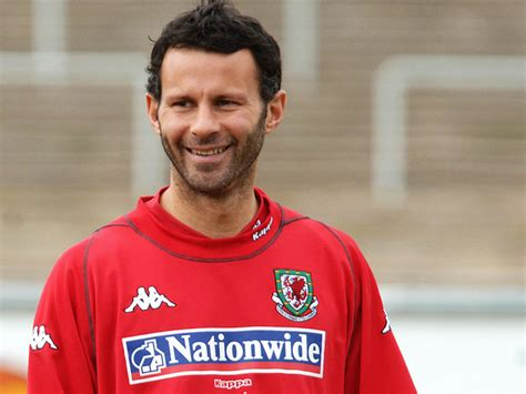 All Super Stars: Ryan Giggs Profile, Biography, Pictures
